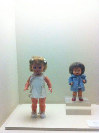Vitrina muñecas antiguas